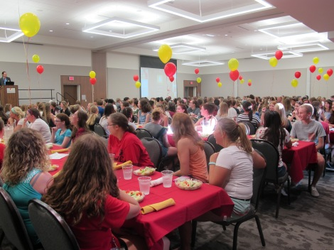 Move-In Dinner 2016. Courtesy of the photographer and the Honors Program at Ferris State University.