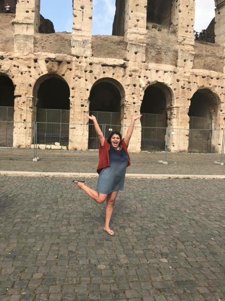 Arianna Lozano in front of Colosseum. Courtesy of Honors student, Arianna Lozano.