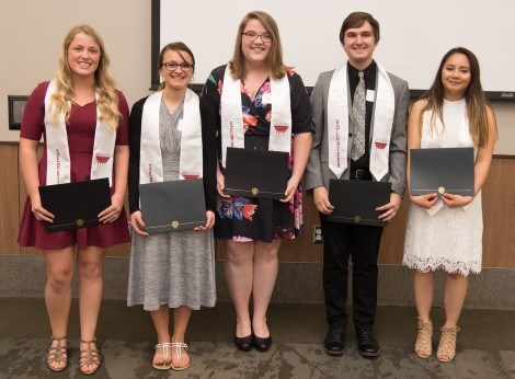 2018 Leadership and Service Stole Winners. Courtesy of Ferris State's Smugmug https://ferrisphotos.smugmug.com/Academic/Honors/2018-Honors-40-Event/i-LVtRMJX/A